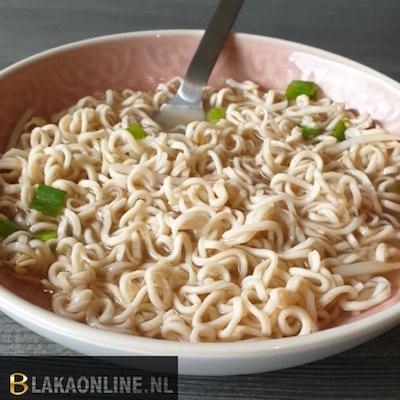 Spelt noodle soep
